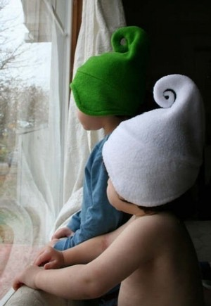 http://rarebirdfinds.typepad.com/rare_bird_finds/images/2008/02/27/kids_hats.jpg